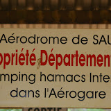 Saül (Guyane) : dans l'aérodrome. 1er décembre 2011. Photo : J.-M. Gayman