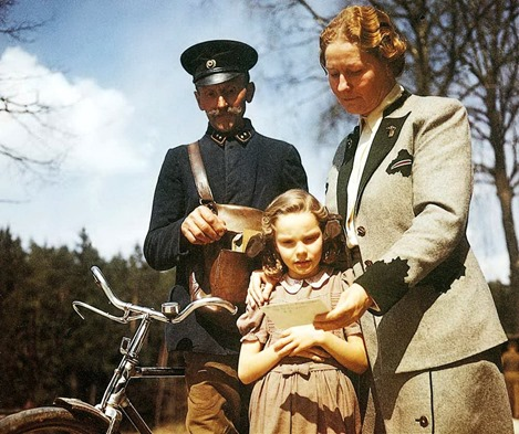 Edda Goring and her mother, Emmy Goring, receive a handwritten letter from Hermann Goring in his death cell, 1946