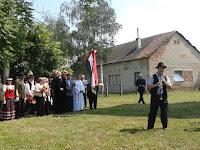35 A füleki Agócs Sándor tárogatós a zászló alá hívogatta a gyülekezetet.jpg