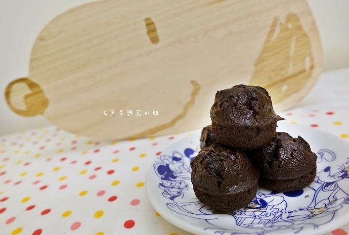 12 老胡賣點心 蜂蜜抹茶蛋糕捲 蜂蜜蛋糕捲 一口乳酪球 火腿乳酪球 一口巧克力