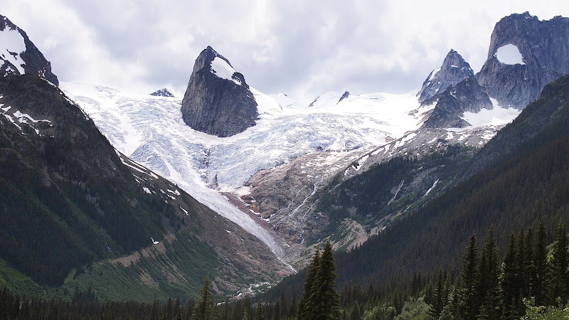 First view of Bugaboos and its glacier