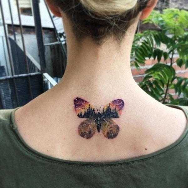 este_em_forma_de_borboleta_cenrio_da_tatuagem