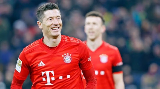 Robert Lewandowski Barges German Player Of The Year Award