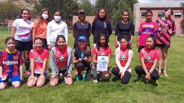Premio al trabajo de la entidad boliviana de fútbol creada por mujeres