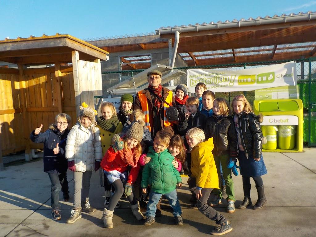 De Knetters op bezoek in het containerpark - DSCN0105.JPG