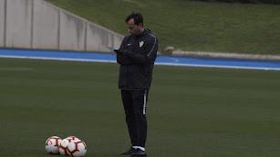 Fran Fernández tomando nota en el Anexo.