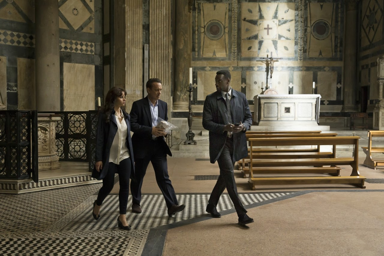 (L-R) Felicity Jones, Tom Hanks and Omar Sy in INFERNO. (Photo by Jonathan Prime / courtesy of Columbia PIctures).