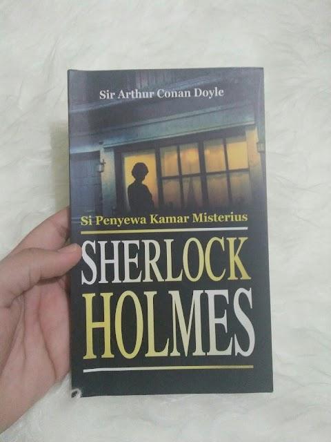 Awal Juli dengan Buku Sherlock Holmes