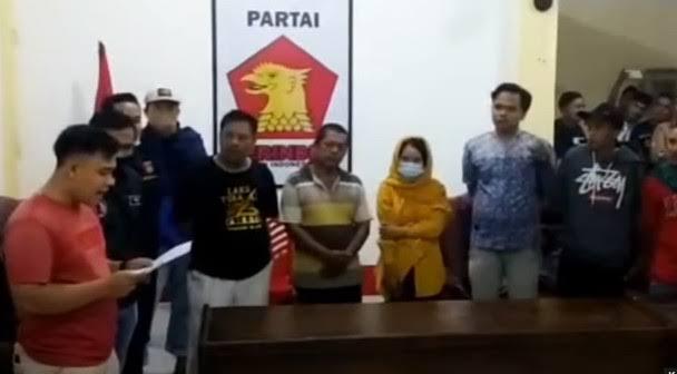 Malam-malam Berdua dengan Sespri di Kantor DPC Gerindra, Ketua DPRD Pasbar Digerebek Warga