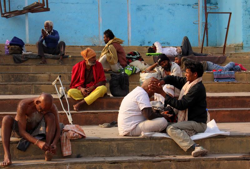 #Varanasighats #Varanasitourism #Uttarpradeshtourism #travelbloggersindia