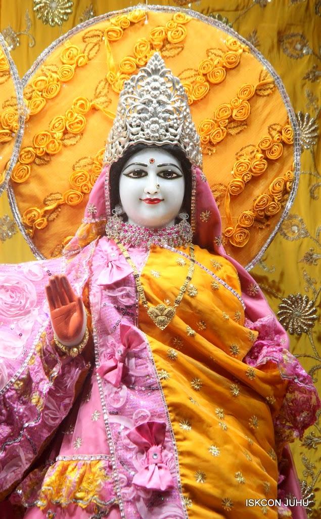 ISKCON Juhu Mangal Deity Darshan on 22nd July 2016 (21)