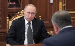 Vladimir Putin, Igor Sechin.