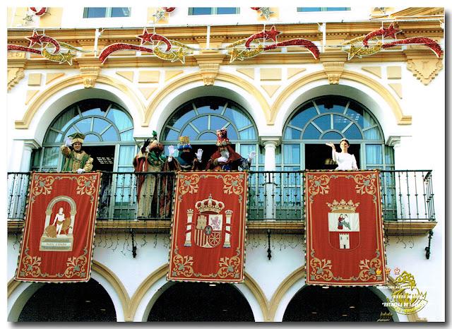 Los Personajes 2015, en el balcón del Ayuntamiento