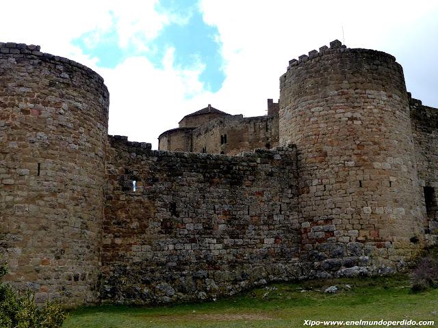muralla-castillo-loarre.JPG