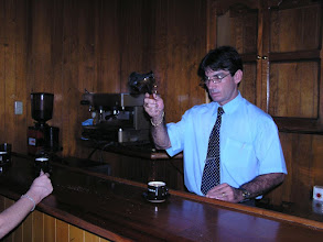 Photo: 5B090043 Hawana - w sklepiku z rumem - plonaca kawa