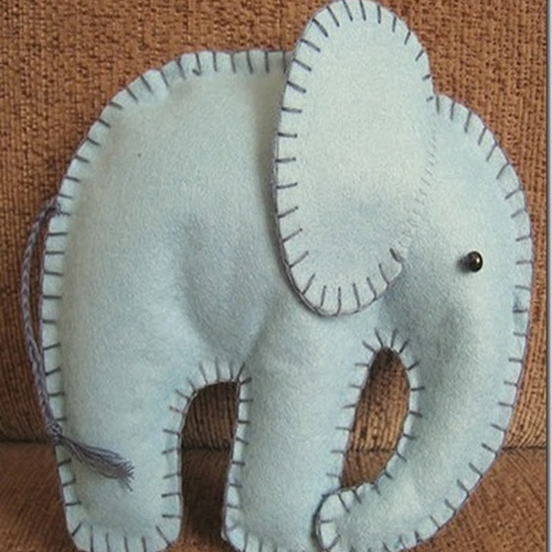 Elefante de fieltro con moldes