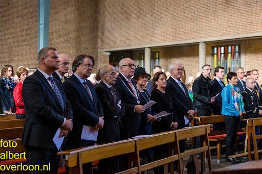 herdenkingsdienst  en een stille tocht naar het Engelse kerkhof 12-10-2014 (9).jpg