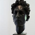 Maison Jean Cocteau : buste de Jean Cocteau