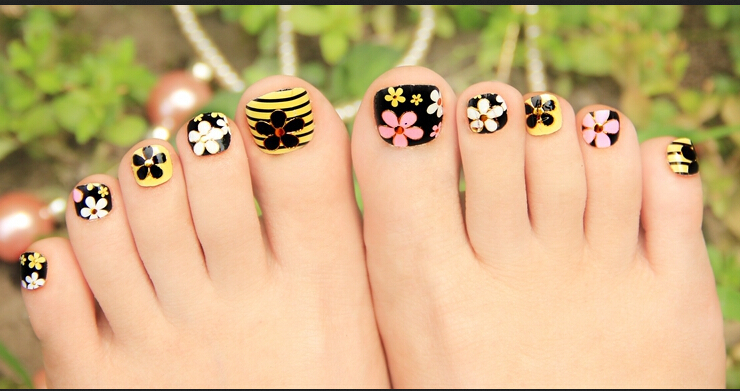 CREATIVE TOE NAIL ART DESIGNS FOR SUMMER 2019 1
