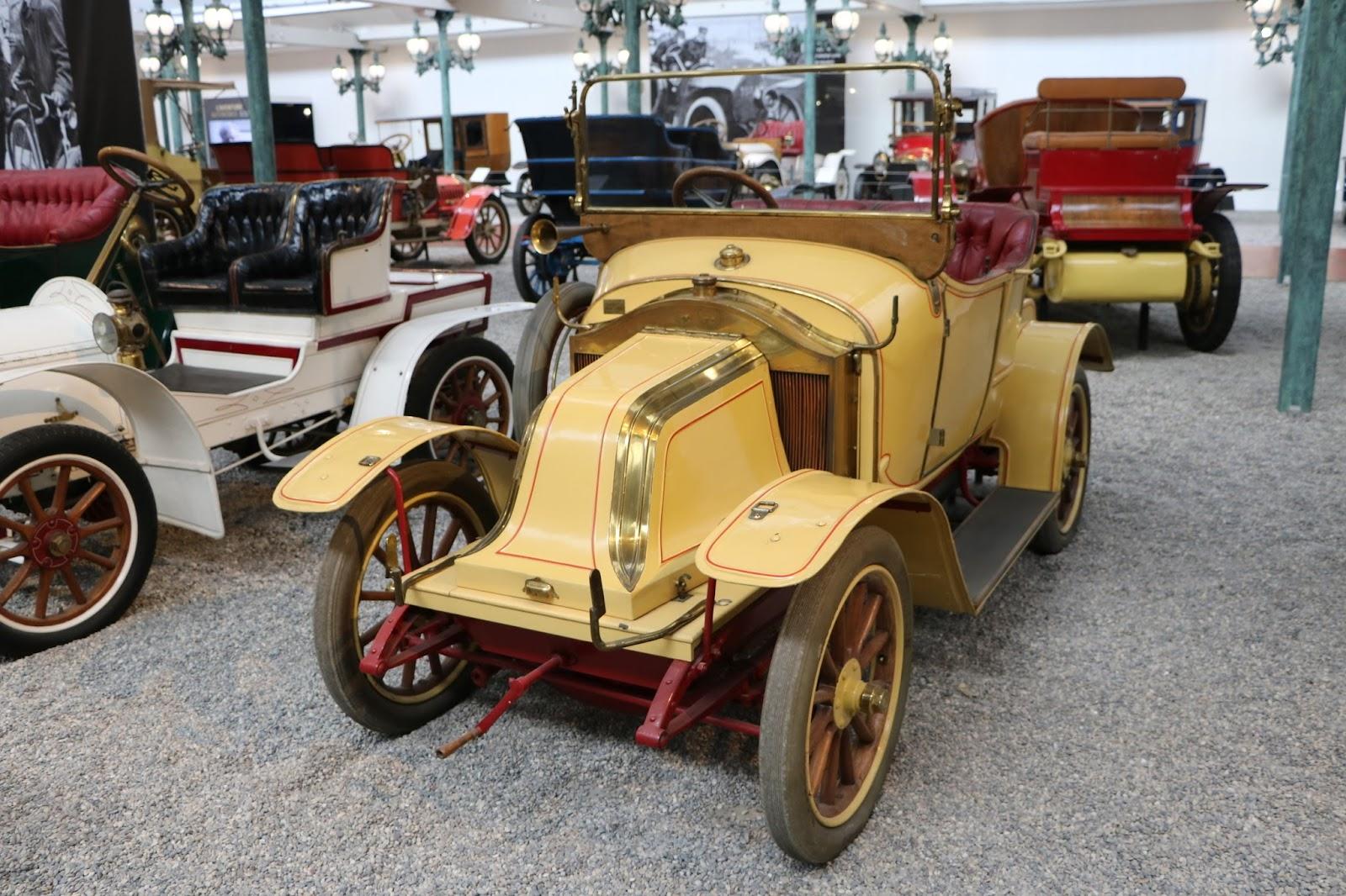 Schlumpf Collection 0520 - 1911 Renault Torpedo Type AX.jpg