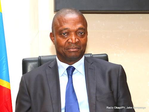 Suspension des assemblées provinciales du Tanganyika et du Kasaï