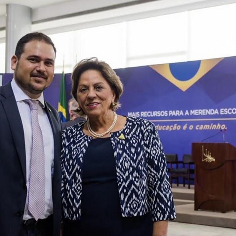 Após garantir volta da merenda escolar, prefeita Rosalba acompanha anúncio de reajuste pelo presidente Temer