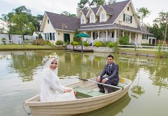 romantic lake wedding in Puchong