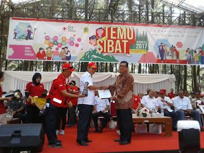 Pemda Karawang Mendapatkan Penghargaan dari PMI Pusat