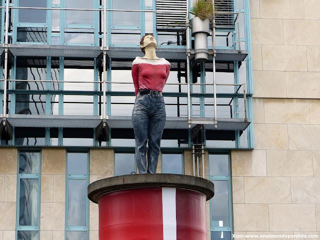 peana-düsseldorf-esculturas.JPG
