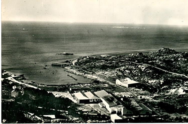 Vista de la factoria de Caneliñas desde el aire. Fecha indeterminada, foto remitida por el Sr. Ramón Garcia Filgueira. Nuestro agradecimiento.jpg