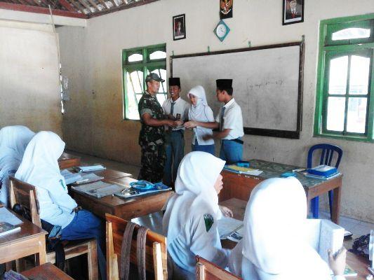 Pangkur NGAWI: Siswa siswi MAN Babadan Latihan Bela Negara yang difasilitasi oleh Kodim Ngawi