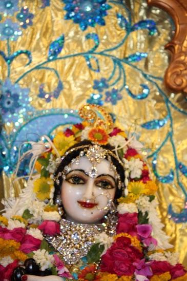 ISKCON Vallabh Vidyanagar Sringar Deity Darshan 23 April 2016 (3)