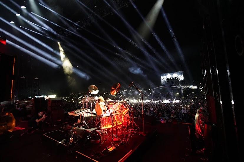 [迷迷音樂] 東西神組合!YOSHIKI + Skrillex 降臨富士搖滾  驚動歌迷