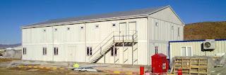 Des structures scolaires en préfabriqué installées dans les localités affectées par le séisme de Mihoub