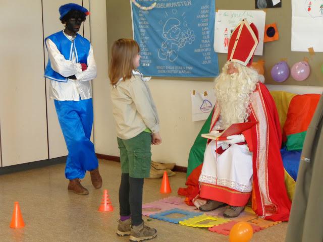 Sinterklaas op de scouts - 1 december 2013 - DSC00210.JPG