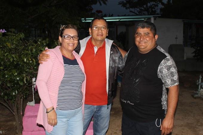 CARLOS CALVO CONVIVIÓ CON EL PUEBLO EN LOS FESTEJOS DEL DÍA DE MUERTOS