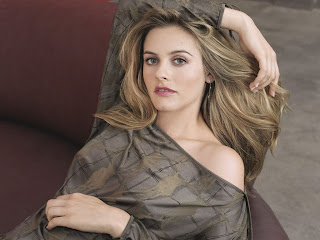 Alicia Silverstone Download beautiful hollywood actress