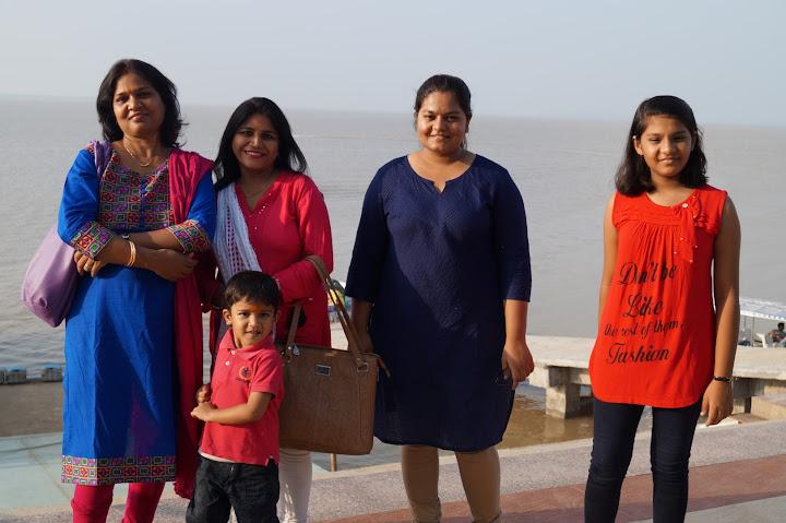 Omkareshwar and Hanmuntiya water resort - DSC06519.JPG