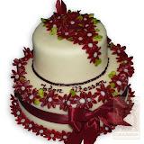 65. kép: Ünnepi torták - Két szintes bordó virágos szalagos torta