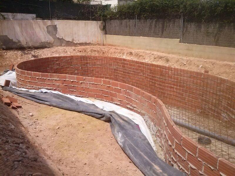 Como hacer una piscina natural urbanarbolismo for Como construir una piscina en concreto