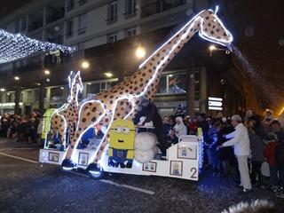 2016.12.18-016 la girafe les Minions