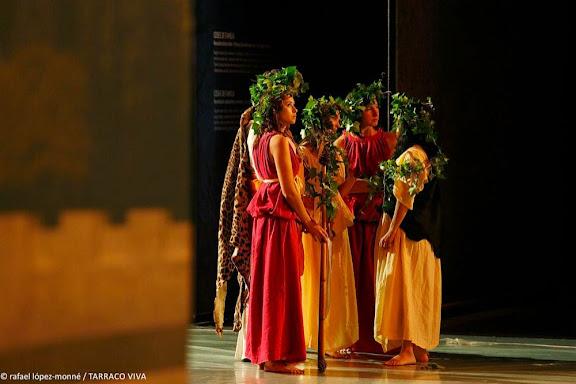 Presentació a TV3 de la XVIa edició de TARRACO VIVA, el festival romà de Tarragona, davant la reproducció de l'ARA PACIS AUGUSTAE. Fragment de l'espectacle Bacchanalia. Nemesis Arq.Tarragona, Tarragonès, Tarragona