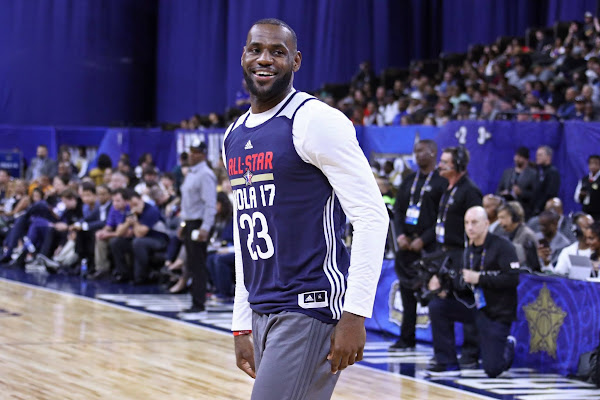 Red Carpet Look Revisits Nike LeBron 14 During AllStar Practice