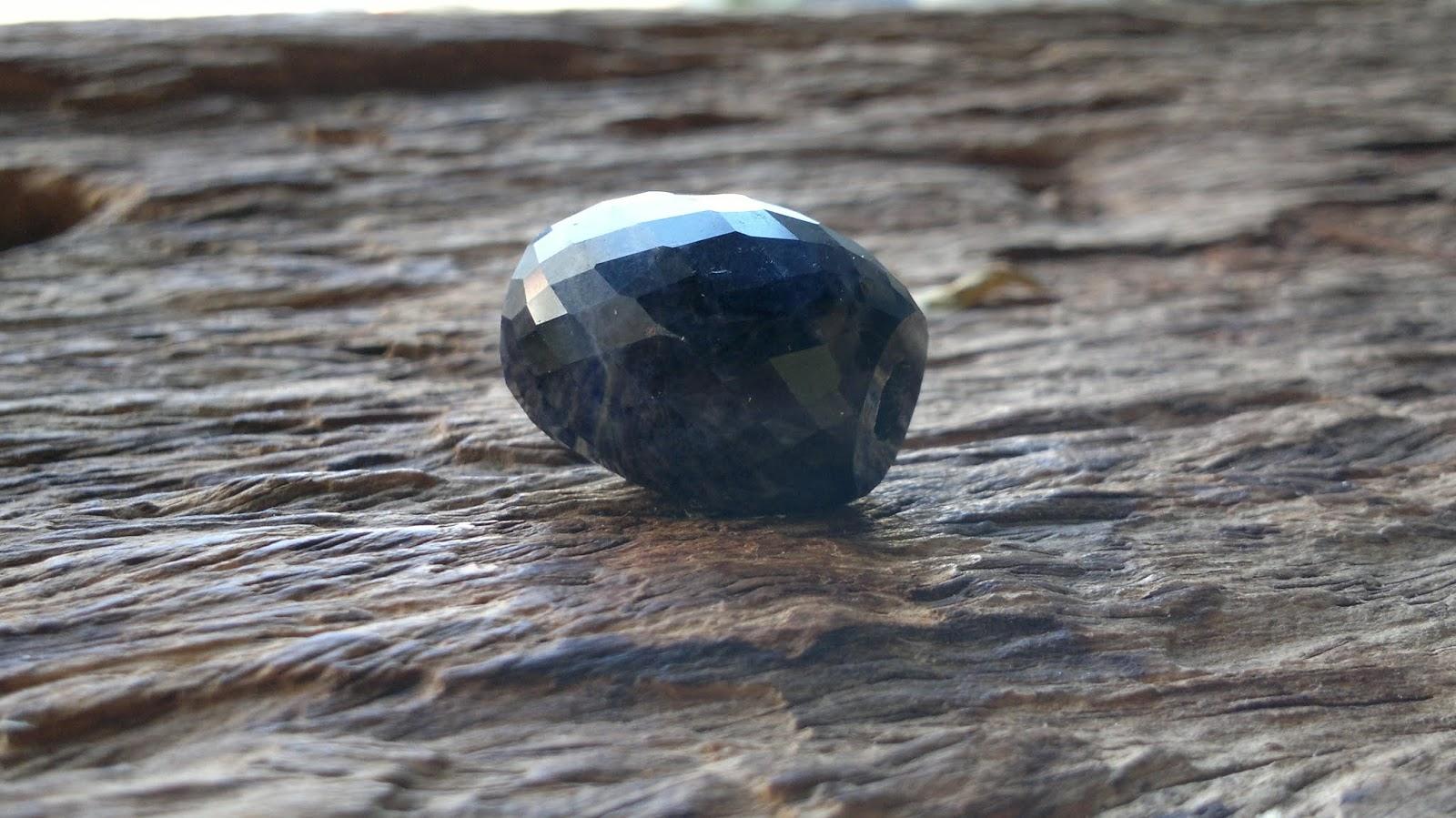 Lu thống đá quý Sapphire Daknong