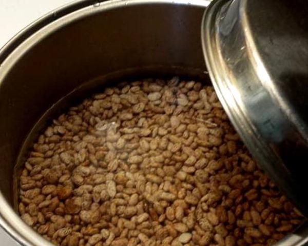 pinto beans soaking overnight
