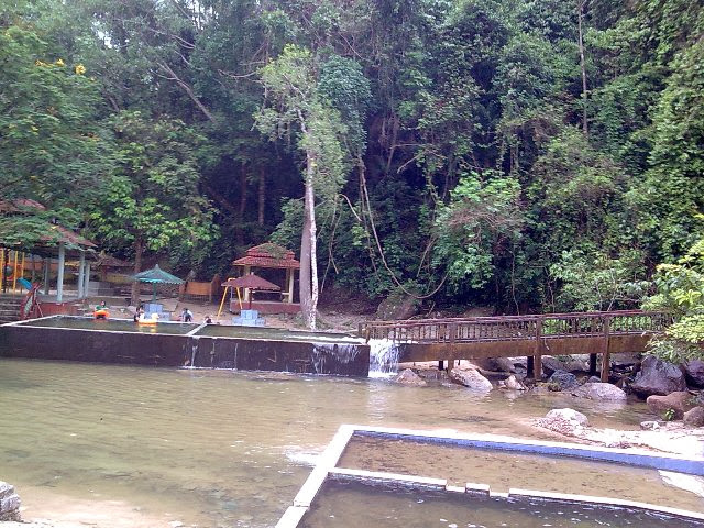 Jeram-Pasu-Waterfall