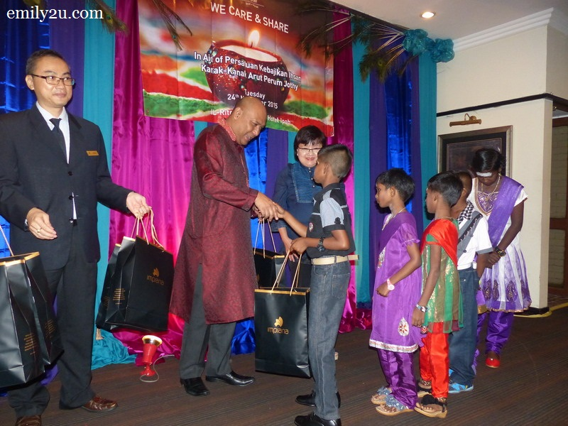 Impiana Hotel Ipoh Deepavali CSR