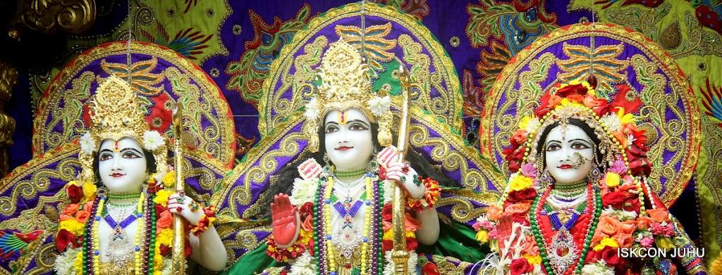 ISKCON Juhu Sringar Deity Darshan on 31st July 2016 (22)