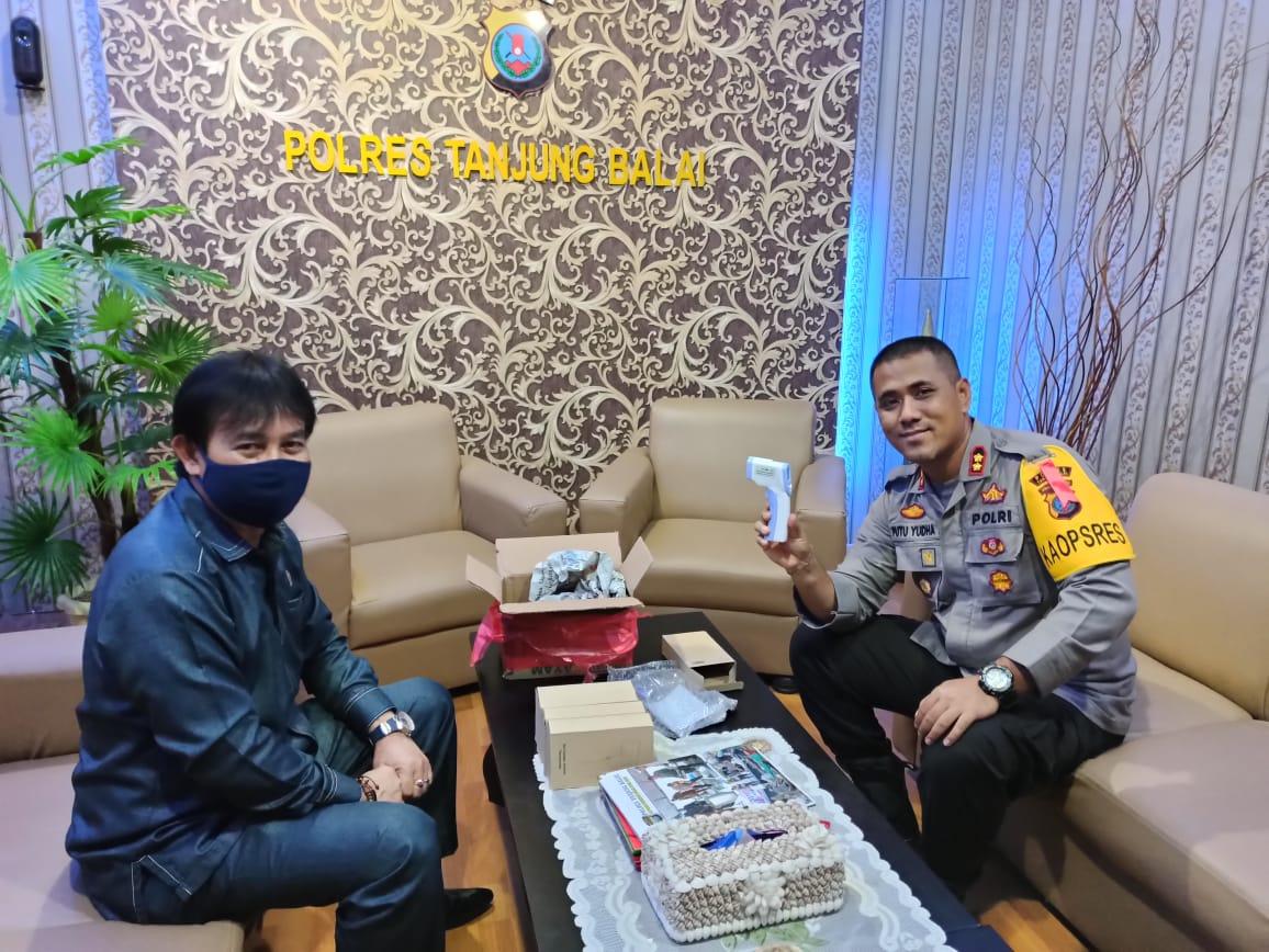Kapolres Tanjungbalai, Terima Bantuan Alat Temogan Dari Alumni 86, Perguruan S. M. Raja Tanjungbalai