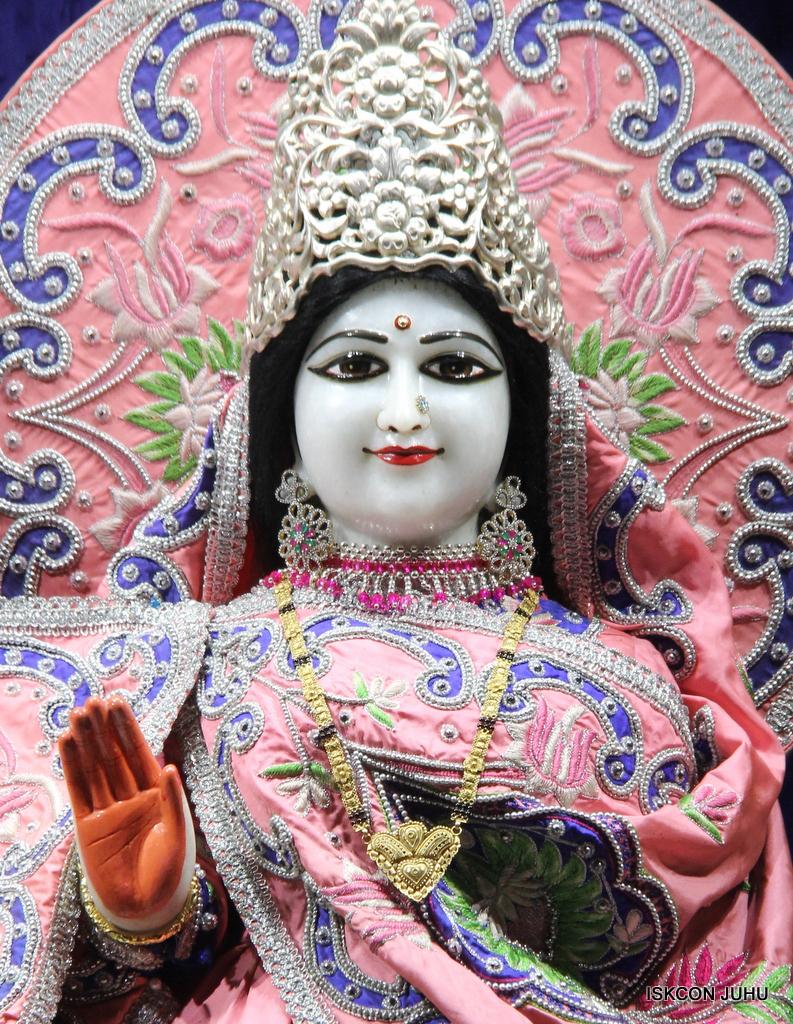 ISKCON Juhu Mangal Deity Darshan on 30th Sep 2016 (19)